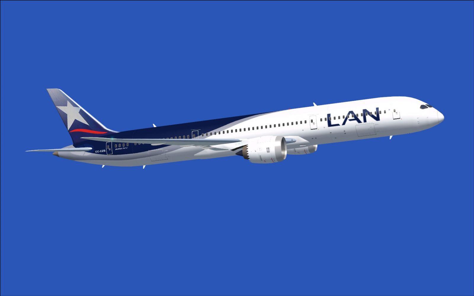 Lan airlines boeing 787 9 in flight