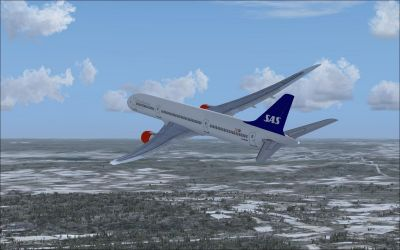 SAS Boeing 787-800 in flight.