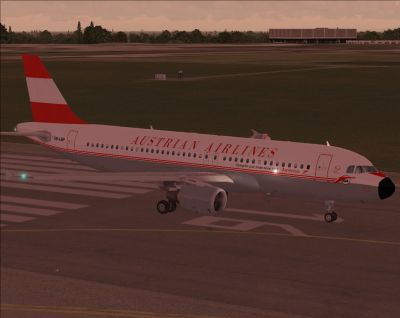 Austrian Airlines Airbus A320-214 on runway.