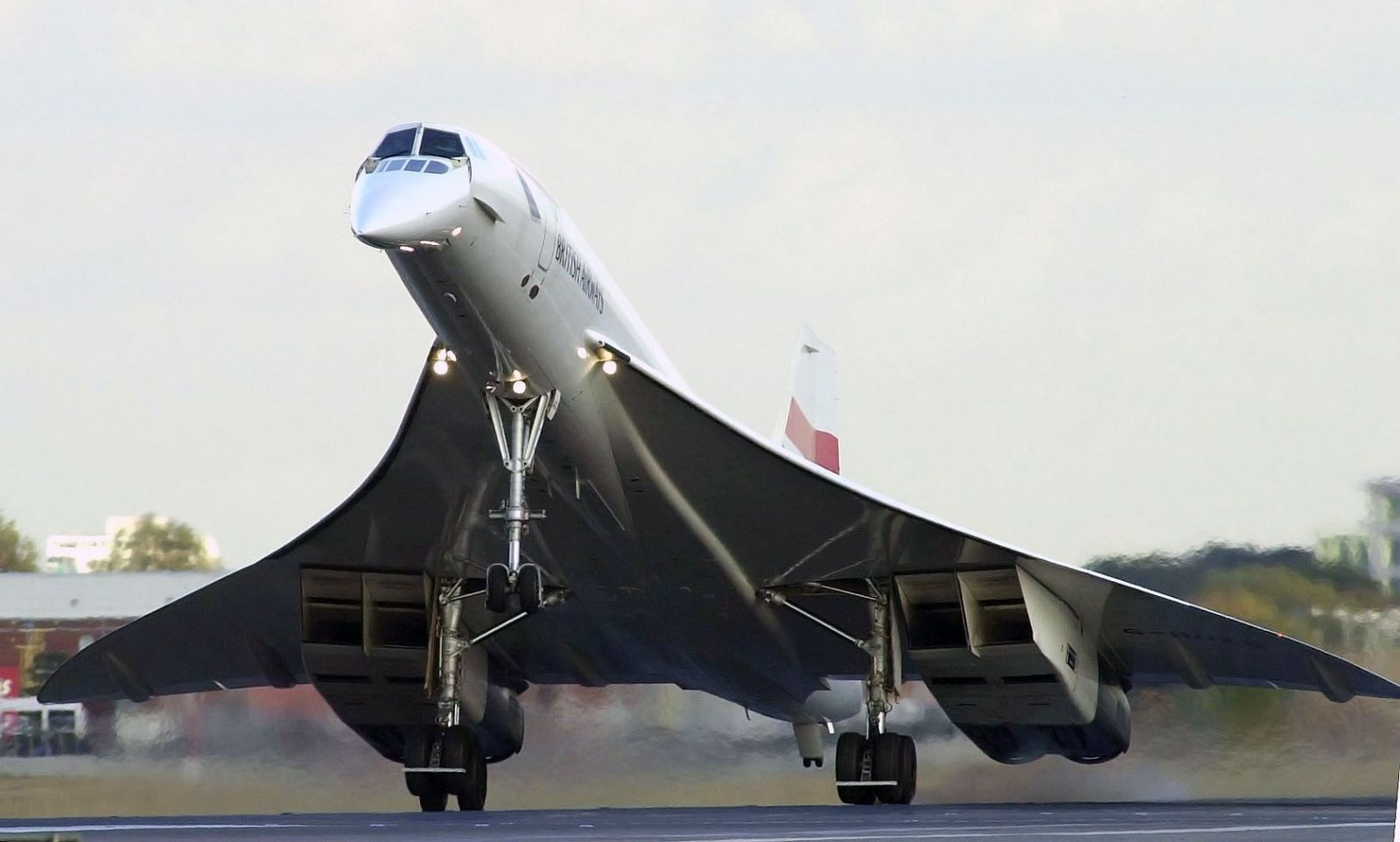 Concorde landing in London