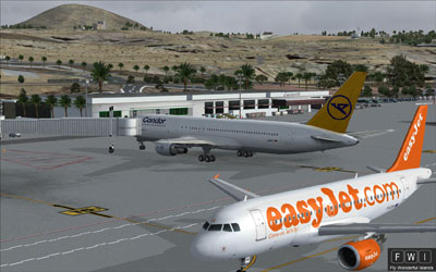 EasyJet and Condor at Lanzarote Airport