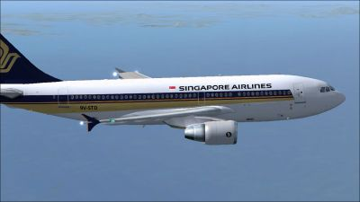 Singapore Airlines Airbus A310-324 in flight.