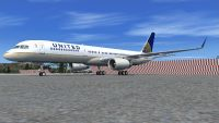 United Airlines Boeing 757-200W on tarmac.