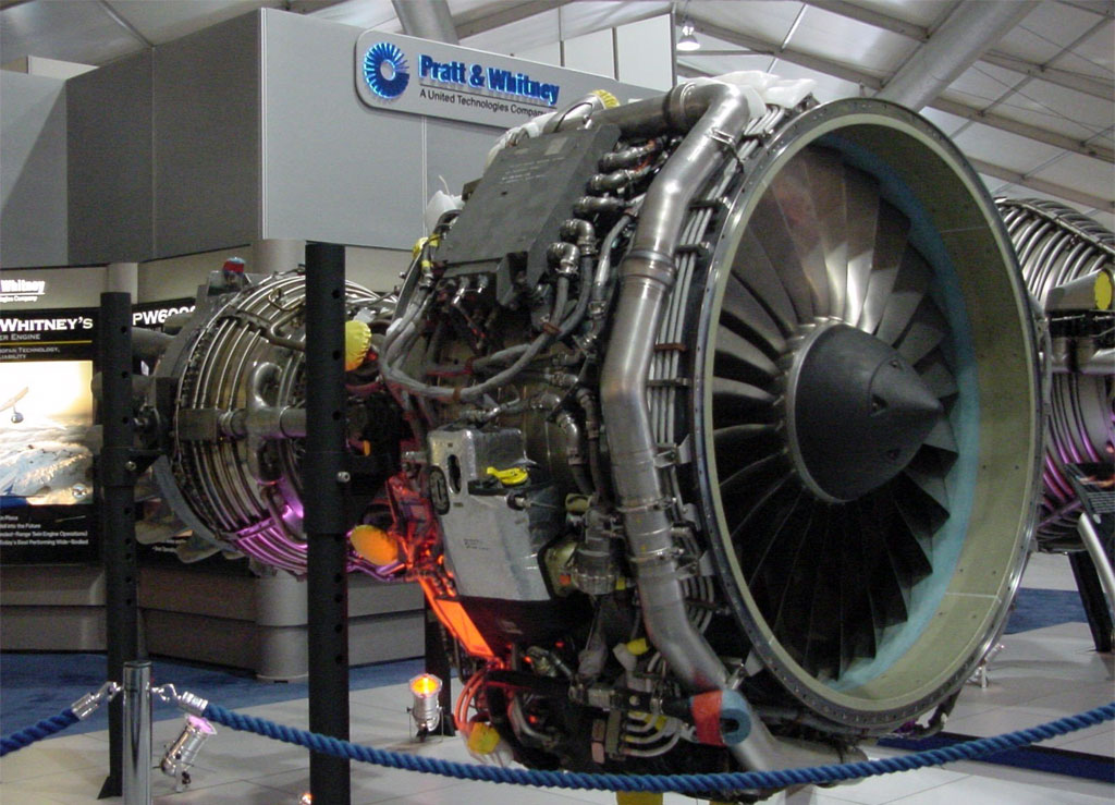 how to start a hot aircraft engine