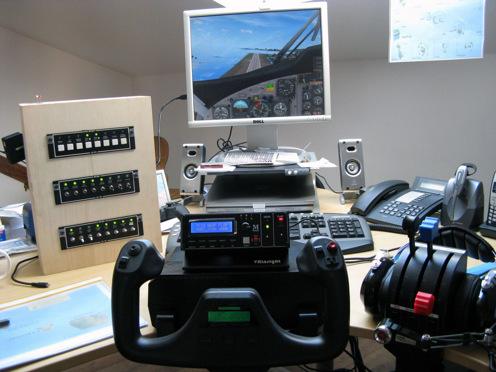 Andre's simulator set-up before he built his cockpit.