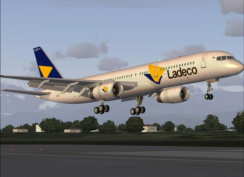 Screenshot of Ladeco Boeing 757-200 taking off.