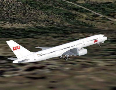 Screenshot of LTU Boeing 757-2G5 in flight.