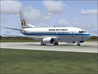 Screenshot of Indian Air Force Boeing 737-500 on runway.