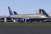 Screenshot of United Airlines Boeing 777-200 in old colours.
