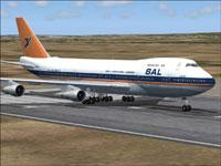 Screenshot of South African Airways Boeing 747-200 on runway.