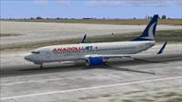 Screenshot of Anadolujet Boeing 737-8F2 on runway.