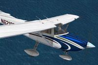 Screenshot of Cessna C182T Skylane N6218B in flight.