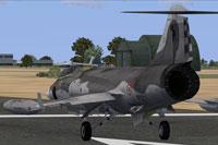 Screenshot of Italian Air Force F-104S-ASA on runway.