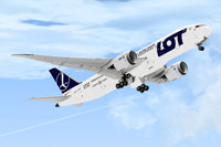 Screenshot of LOT Polish Airlines Boeing 787-8 in flight.