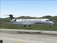 Screenshot of Lufthansa Alliance CRJ700-ER landing on runway.