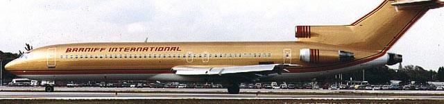 Braniff Boeing 727