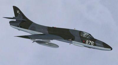 Hawker Hunter T.7, XF310 FRADU in flight.