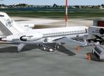 727-200 Arrival St. Maarten - waiting to unload